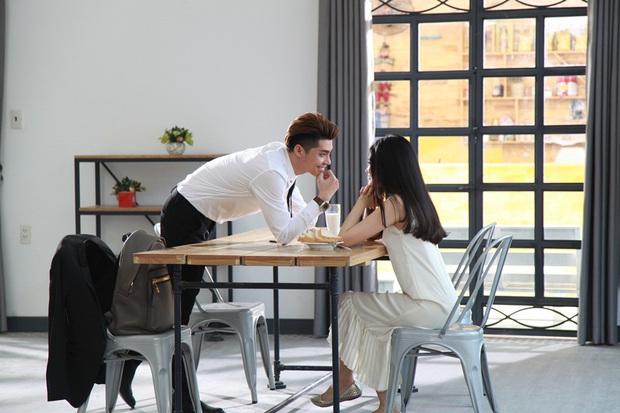 Noo Phước Thịnh dựng banner khổng lồ hình ảnh bạn gái trong MV mới - Ảnh 4.