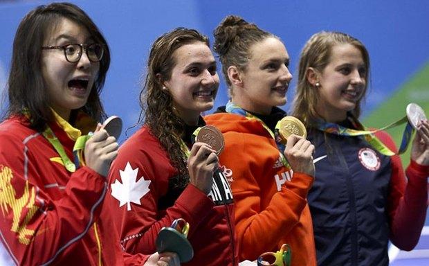 Sau Olympic Rio, cô nàng kình ngư Trung Quốc với biểu cảm hài khó đỡ trở thành tâm điểm của báo chí - Ảnh 4.