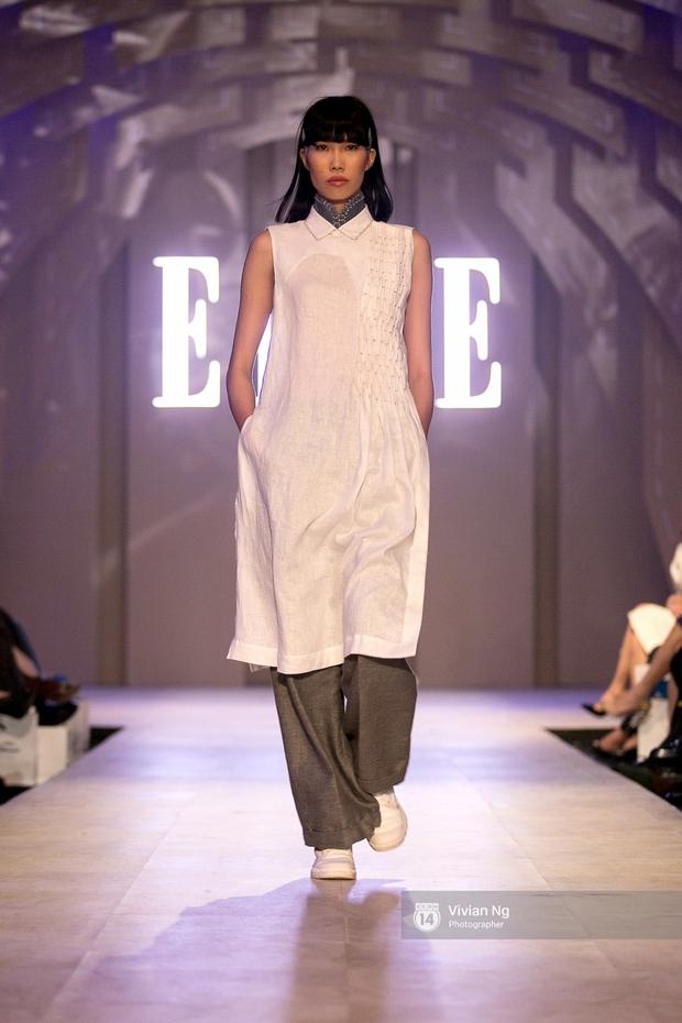 Phải nhập viện vào phút chót, Mai Ngô vẫn không bỏ lỡ cơ hội đọ trình catwalk với Phí Phương Anh trong Elle Fashion Show - Ảnh 39.