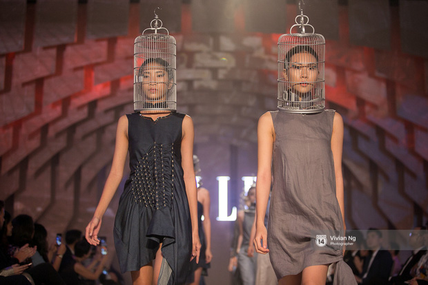 Phải nhập viện vào phút chót, Mai Ngô vẫn không bỏ lỡ cơ hội đọ trình catwalk với Phí Phương Anh trong Elle Fashion Show - Ảnh 48.