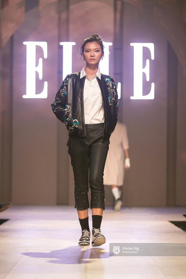 Phải nhập viện vào phút chót, Mai Ngô vẫn không bỏ lỡ cơ hội đọ trình catwalk với Phí Phương Anh trong Elle Fashion Show - Ảnh 55.