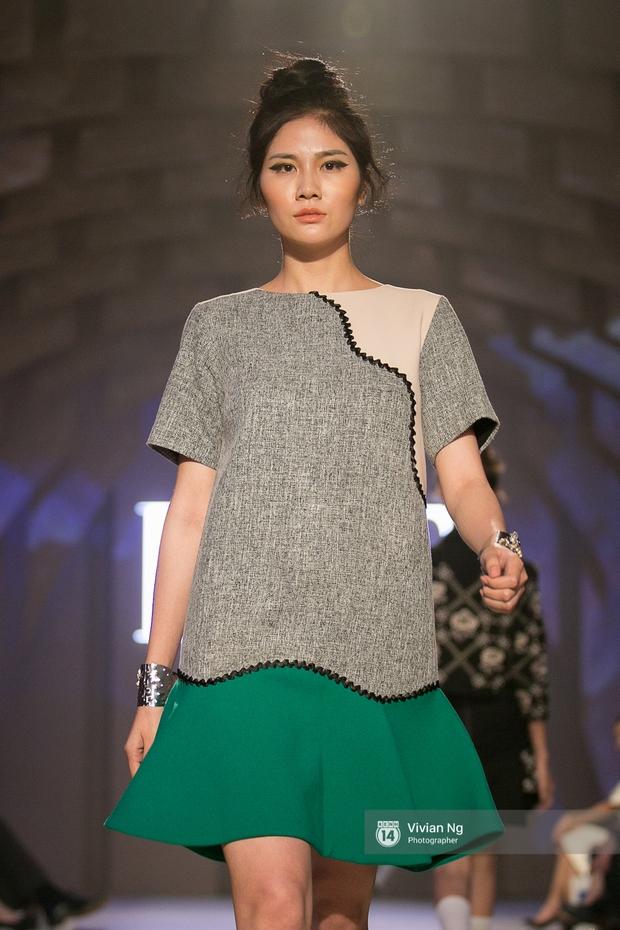 Phải nhập viện vào phút chót, Mai Ngô vẫn không bỏ lỡ cơ hội đọ trình catwalk với Phí Phương Anh trong Elle Fashion Show - Ảnh 58.