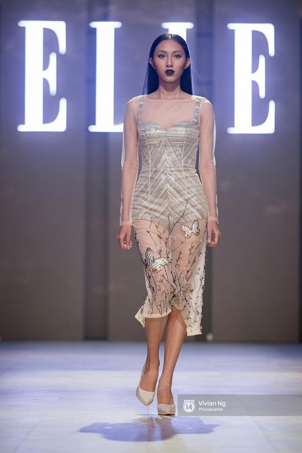Phải nhập viện vào phút chót, Mai Ngô vẫn không bỏ lỡ cơ hội đọ trình catwalk với Phí Phương Anh trong Elle Fashion Show - Ảnh 9.