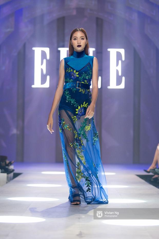 Phải nhập viện vào phút chót, Mai Ngô vẫn không bỏ lỡ cơ hội đọ trình catwalk với Phí Phương Anh trong Elle Fashion Show - Ảnh 18.