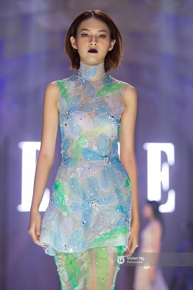 Phải nhập viện vào phút chót, Mai Ngô vẫn không bỏ lỡ cơ hội đọ trình catwalk với Phí Phương Anh trong Elle Fashion Show - Ảnh 5.