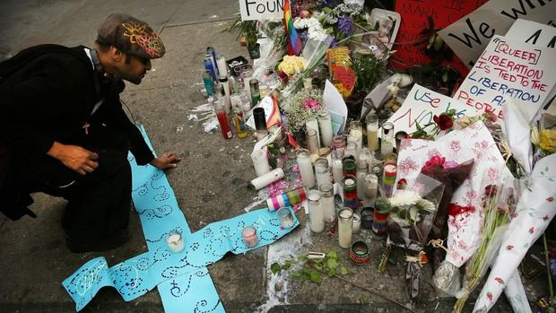 Từ vụ xả súng hộp đêm Pulse: Sự kì thị người đồng tính vẫn bủa vây, cả bên trong và bên ngoài nước Mỹ - Ảnh 4.
