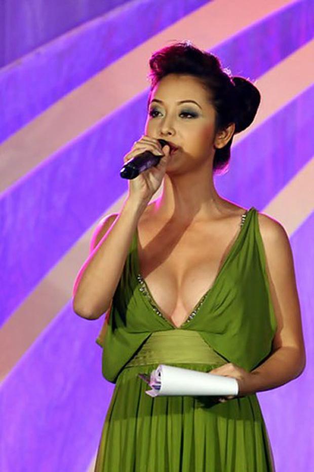 Can tội hở bạo, MC của Miss World 2016 bị truyền hình Thái Lan xóa mờ hình ảnh - Ảnh 8.