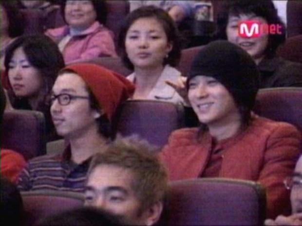 Nhờ Goblin, mối quan hệ mật thiết giữa gia đình Gong Yoo và Kang Dong Won bỗng được chú ý - Ảnh 3.