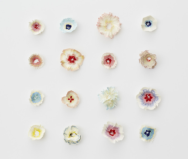 Ngắm vườn hoa xinh đẹp trổ bông từ vỏ gọt bút chì - Ảnh 1.