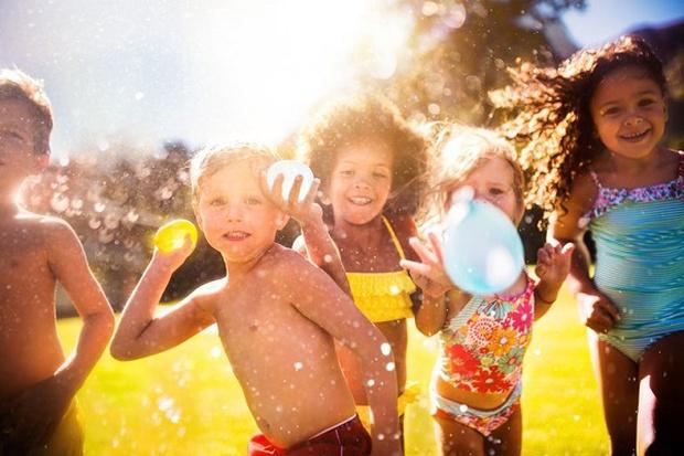 Người trẻ ngày nay mắc thói quen khiến cho cả một thế hệ phải đeo kính dày cộp - Ảnh 4.