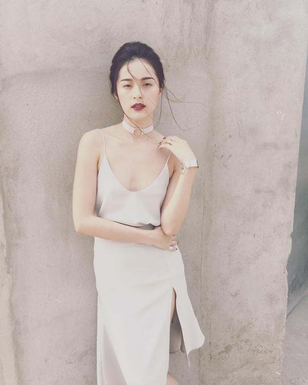 6 cô nàng hot girl Việt đang lăng xê tích cực phong cách gợi cảm - Ảnh 37.