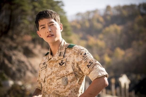 Mấu chốt phong cách giúp Song Joong Ki lột xác thành chàng quân nhân hớp hồn fan nữ - Ảnh 20.