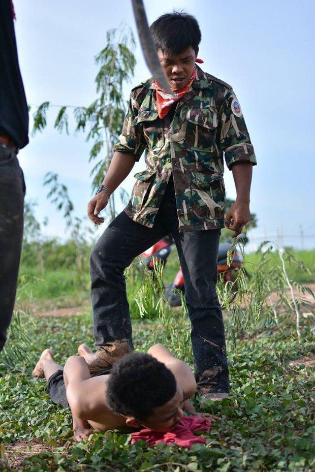 Sinh viên Thái Lan ám ảnh với những trò chơi nhập môn bạo lực, tàn nhẫn - Ảnh 1.