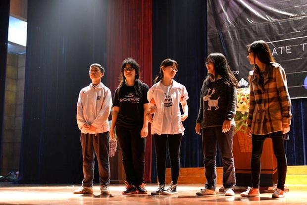 Học sinh Hà Nội cùng tranh luận vấn đề Cha mẹ có nên theo dõi con cái trên mạng xã hội? - Ảnh 13.