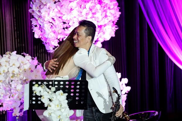 Bị Tiên Cookie la, Hồ Ngọc Hà công khai gửi lời xin lỗi giữa đêm nhạc đặc biệt - Ảnh 11.