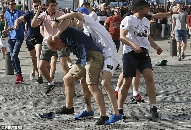 Euro 2016 và bóng ma hooligan đang trở lại - Ảnh 2.