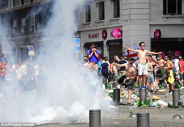 Euro 2016 và bóng ma hooligan đang trở lại - Ảnh 1.