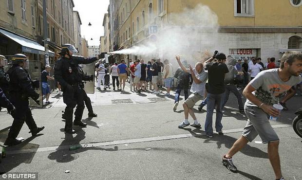 Euro 2016 và bóng ma hooligan đang trở lại - Ảnh 3.