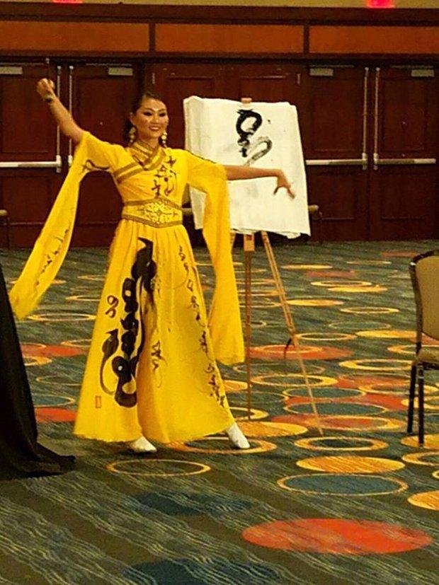 Gặp sự cố bất ngờ, Diệu Ngọc buộc phải thay đổi phần thi tài năng tại Miss World vào phút chót - Ảnh 8.