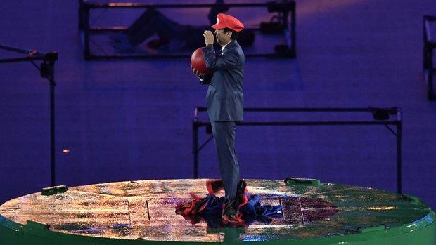 Thủ tướng Nhật Bản xuất hiện trong trang phục Super Mario tại lễ bế mạc Olympic Rio 2016 - Ảnh 2.