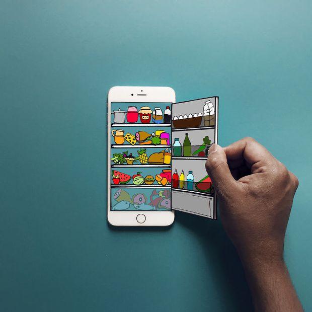 Với hoa tay của chàng họa sĩ này, iPhone không chỉ còn là chiếc điện thoại - Ảnh 1.