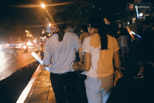 Ngày tự hào đồng tính - Những trái tim lục sắc đã có một đêm vui dưới mưa Sài Gòn như thế! - Ảnh 15.