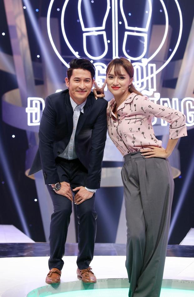 Clip: Hương Giang nói tiếng Hàn tầm bậy, hát hit của Hari Won - Ảnh 4.