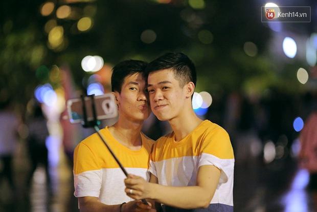 Ngày tự hào đồng tính 2016: khi hy vọng nhân lên thành sức mạnh trên khắp cả nước - Ảnh 2.