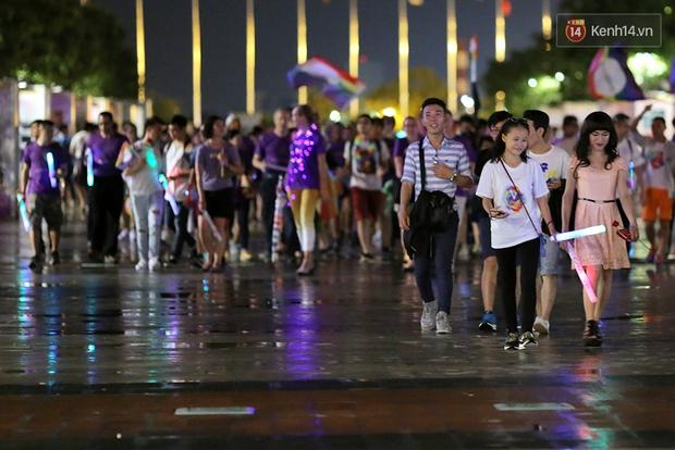 Ngày tự hào đồng tính - Những trái tim lục sắc đã có một đêm vui dưới mưa Sài Gòn như thế! - Ảnh 16.