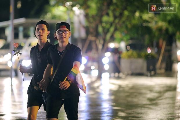 Ngày tự hào đồng tính - Những trái tim lục sắc đã có một đêm vui dưới mưa Sài Gòn như thế! - Ảnh 17.