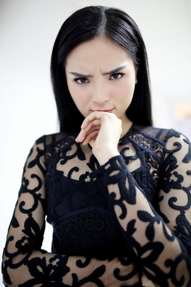 Hoa hậu Kỳ Duyên thích nhất chiếc mũi và muốn thay đổi đôi mắt - Ảnh 5.