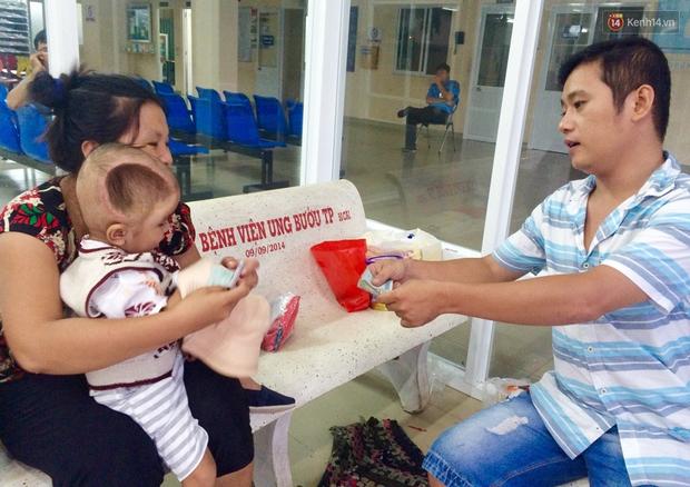 Xót xa trước cảnh hộp sọ của bé trai 2 tuổi bị lõm vì bệnh u não ác tính - Ảnh 4.
