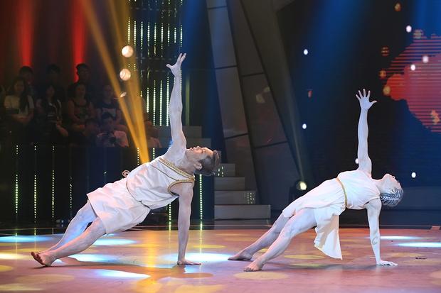Bước nhảy ngàn cân: Hình ảnh cô gái ung thư Ngọc Nữ khiến Mr. Đàm nghẹn ngào - Ảnh 8.