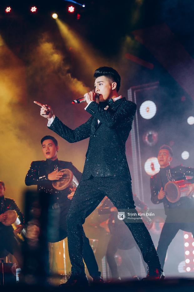 Noo Phước Thịnh khẳng định đẳng cấp với Live Concert 35.000 khán giả - Ảnh 22.