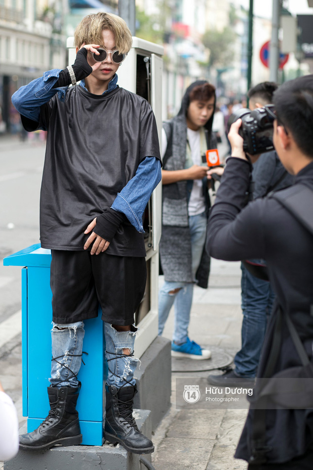 Street style ngày cuối VIFW: Trang Khiếu nổi bật nhất hội với set đồ đỏ rực rỡ - Ảnh 11.
