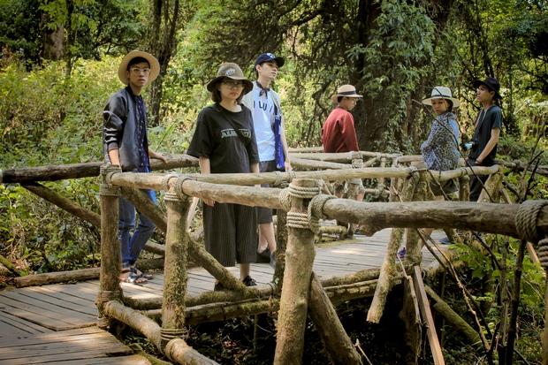Đi Thái Lan, nhóm bạn Việt Nam diễn lại bộ ảnh du lịch chất lừ như tạp chí thời trang - Ảnh 9.