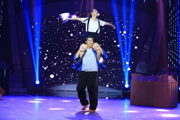 Bước nhảy ngàn cân: Hình ảnh cô gái ung thư Ngọc Nữ khiến Mr. Đàm nghẹn ngào - Ảnh 16.