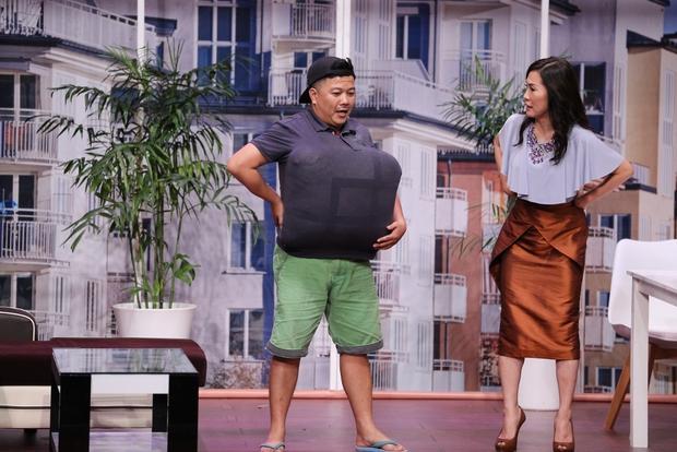Ơn giời: Trấn Thành vuốt ve, hôn Hứa Vĩ Văn trên sân khấu - Ảnh 9.