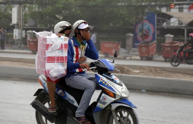 Sau chạy nắng và chạy mưa, người Sài Gòn lại nhắm mắt bịt mũi để chạy... bụi - Ảnh 10.