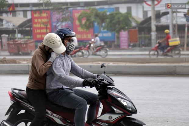 Sau chạy nắng và chạy mưa, người Sài Gòn lại nhắm mắt bịt mũi để chạy... bụi - Ảnh 5.