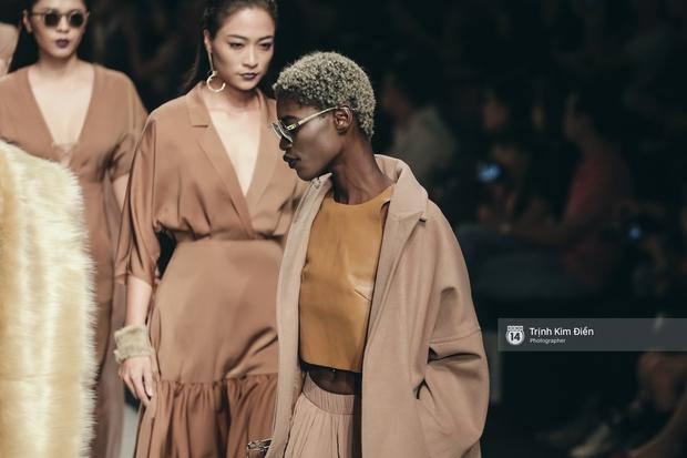 Gói gọn 6 ngày - 5 đêm của Vietnam International Fashion Week trong những khung hình tuyệt vời nhất! - Ảnh 35.