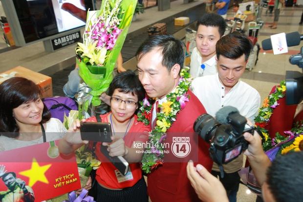 Sau những kỳ tích tại Olympic 2016, người hùng Hoàng Xuân Vinh đã trở về bên gia đình, bên người vợ thân yêu - Ảnh 12.