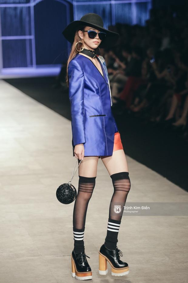 Phí Phương Anh lại xuất hiện trên sàn diễn thời trang, đọ trình catwalk cùng đàn chị - Ảnh 7.