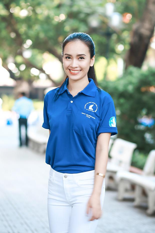 Hoa hậu Kỳ Duyên, Ái Phương cực rạng rỡ trong lễ ra quân chiến dịch Mùa hè xanh - Ảnh 2.