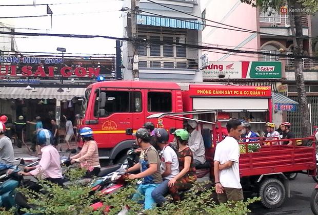 TP. HCM: Khói bốc nghi ngút tại quán cafe rang xay bên kênh Nhiêu Lộc - Thị Nghè - Ảnh 2.