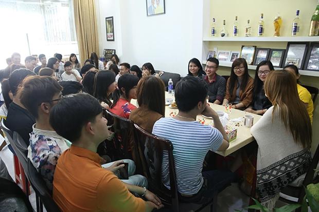 Fan khắp nơi bay ra Đà Nẵng dự họp fan đầu năm tại nhà riêng của Mỹ Tâm - Ảnh 2.