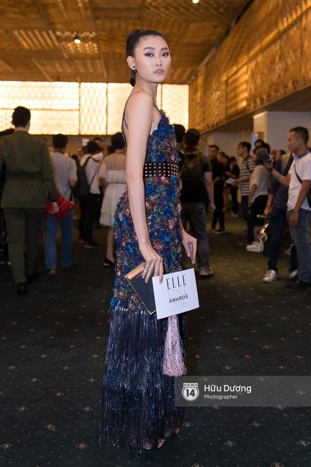 Elle Style Award: Ngọc Trinh mặc như đi diễn, Phạm Hương khác lạ với tóc mới - Ảnh 21.