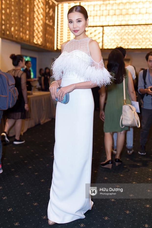 Elle Style Award: Ngọc Trinh mặc như đi diễn, Phạm Hương khác lạ với tóc mới - Ảnh 9.