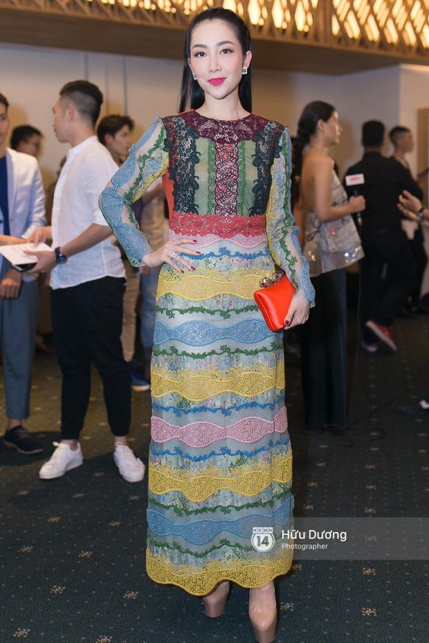Elle Style Award: Ngọc Trinh mặc như đi diễn, Phạm Hương khác lạ với tóc mới - Ảnh 10.