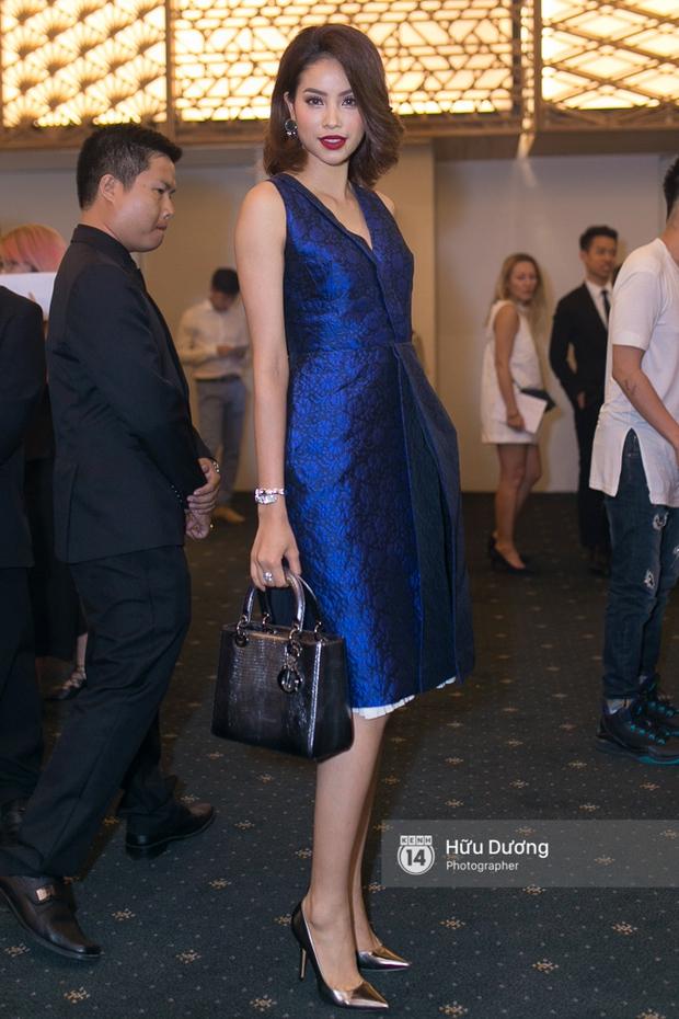 Elle Style Award: Ngọc Trinh mặc như đi diễn, Phạm Hương khác lạ với tóc mới - Ảnh 4.